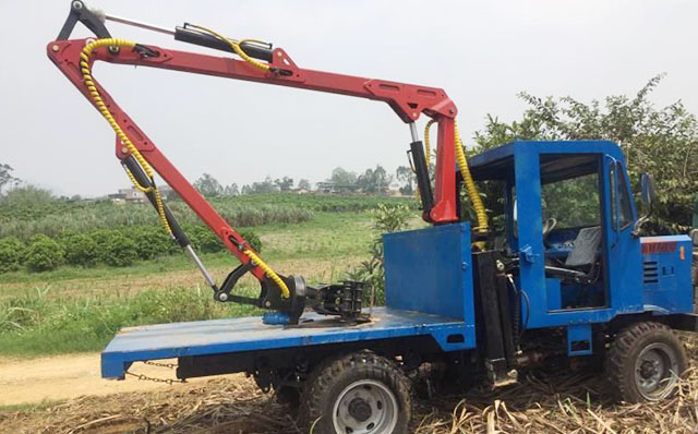 農用四驅車改裝抓甘蔗機